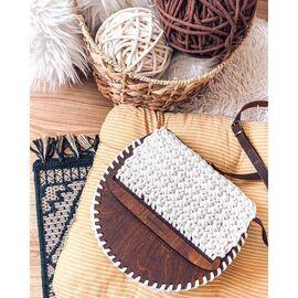 дървена чанта от естествени материали